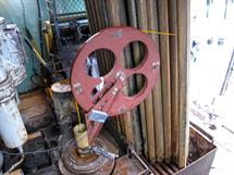 Directing wheel at the drill station